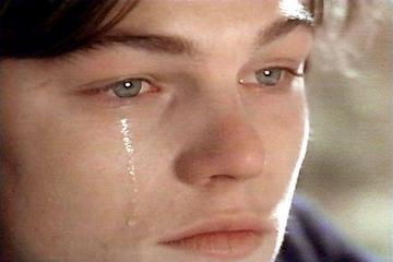 بالصور رجل يبكي , حزن ودموع رجل 5726 8
