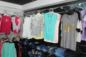 بالصور محلات ملابس , اكبر محلات للملابس 5778 7