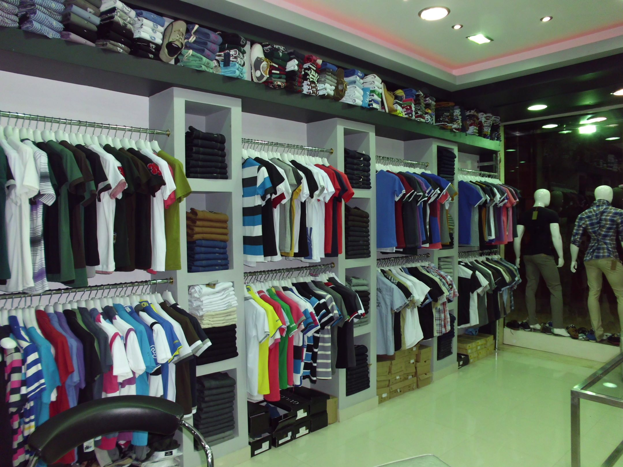 بالصور محلات ملابس , اكبر محلات للملابس 5778 8