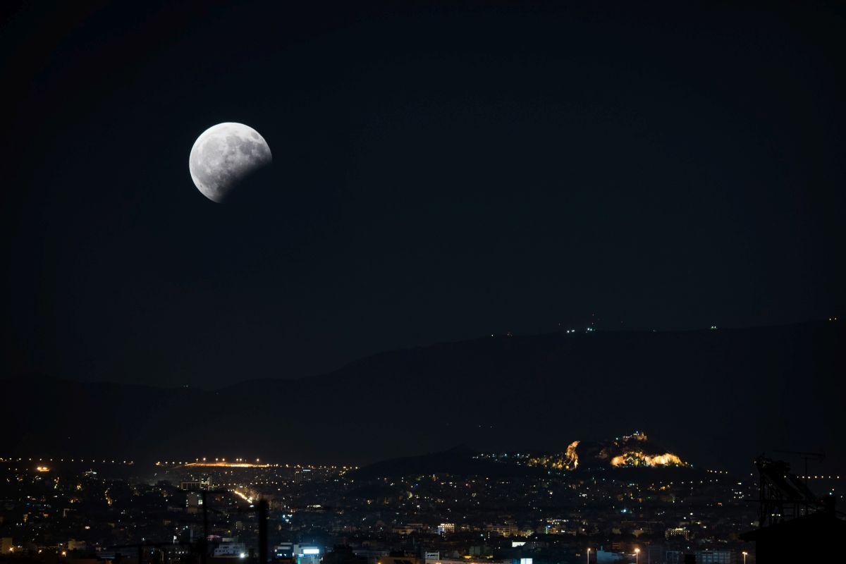 بالصور اجمل صور للقمر , اروع صور جميله و رومانسيه للقمر 4395 7