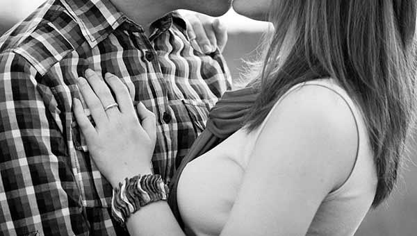 صورة صور حب ساخنة , بوستات حب قوي جدا