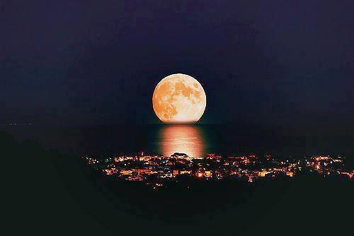 بالصور صور عن القمر , اجمل خلفيات للقمر المنير 3714 6