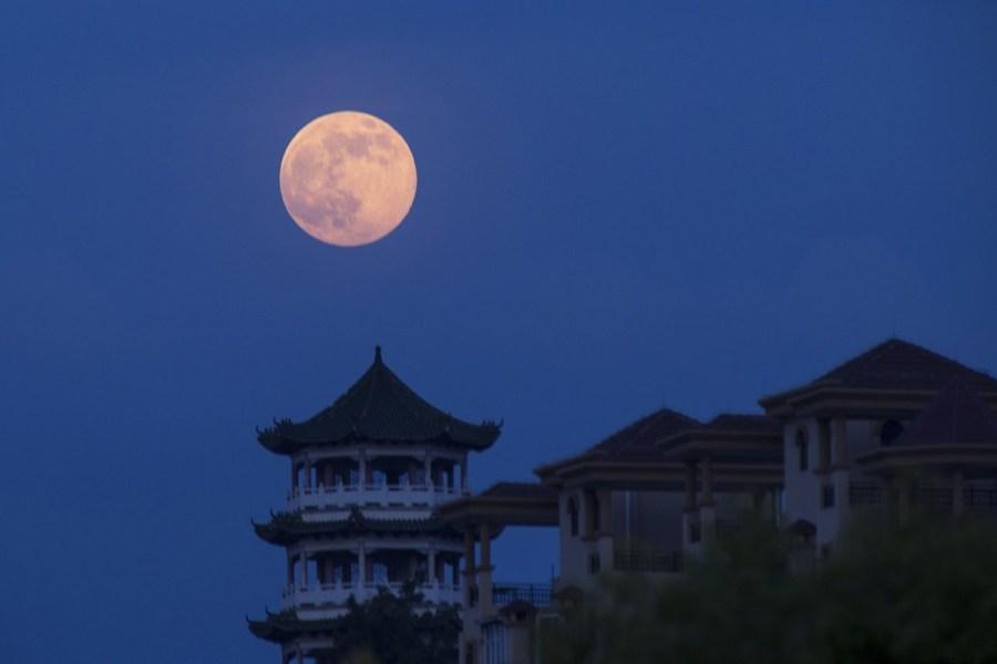 بالصور صور عن القمر , اجمل خلفيات للقمر المنير 3714 9