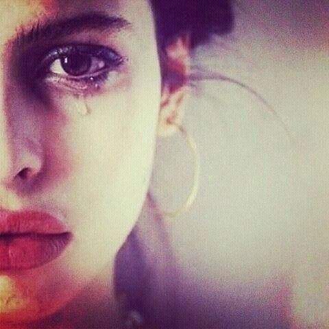 صوره صور حزن بنات , كلام عن الفتيات الحزينة