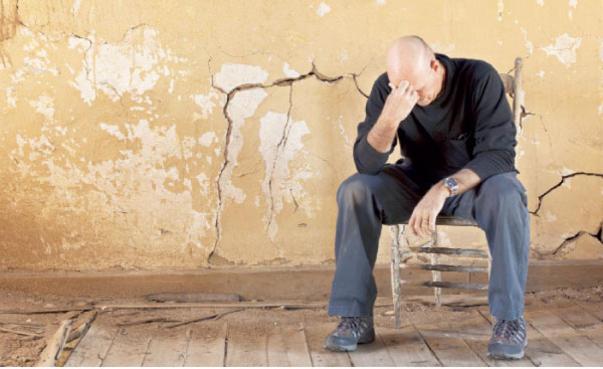 صوره الحزن الشديد , بوستات بها عبارات الحزن
