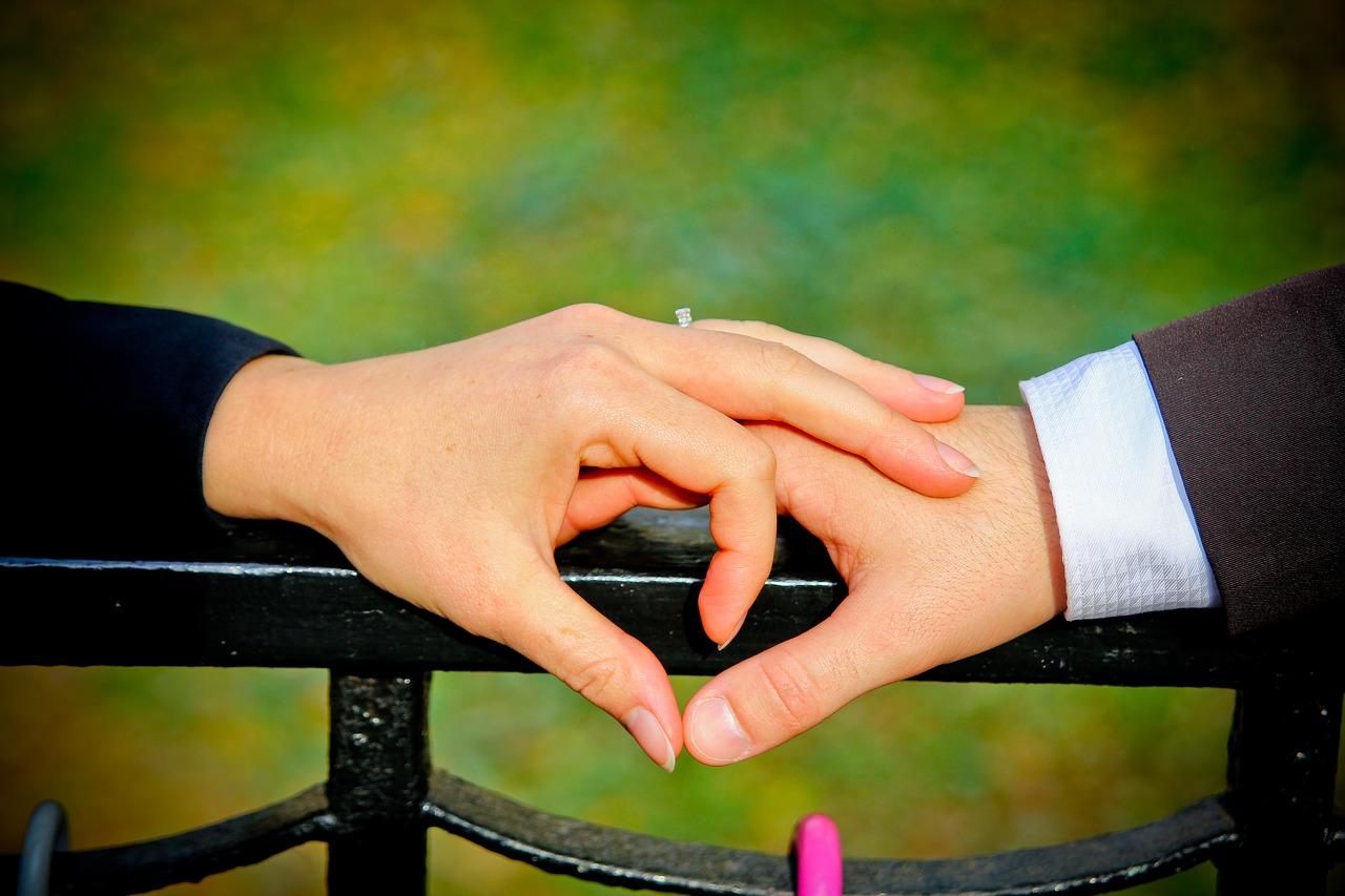 بالصور صور رومانسيه للزوج , اجمل صور لمن تعشق زوجها 677 3