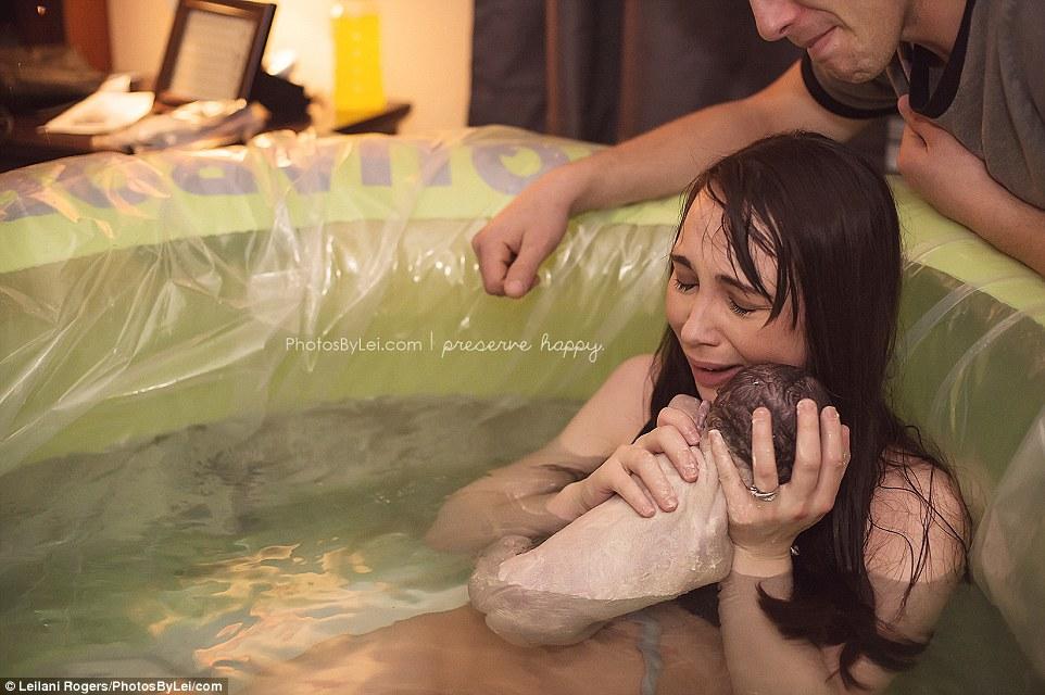 بالصور صور للولاده , اروع لقطات لحظة الولادة 792 3