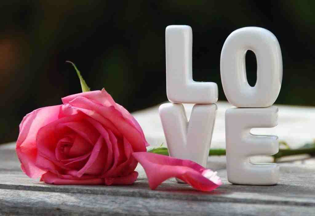 صور رسائل رومانسية , الرومانسيه ومسجات تحرك المشاعر