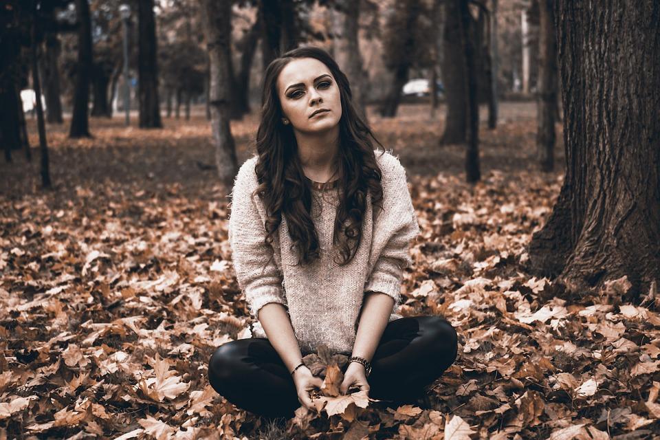بالصور اجمل الصور الحزينة للبنات , الحزن وتاثيره على البنات 1601 2