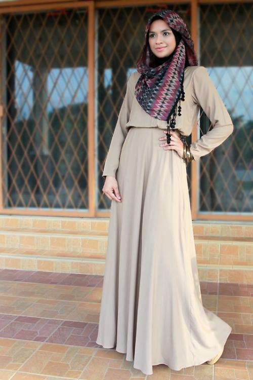 بالصور فساتين طويلة للمحجبات , فستان طويل مناسب للحجاب 5334 3