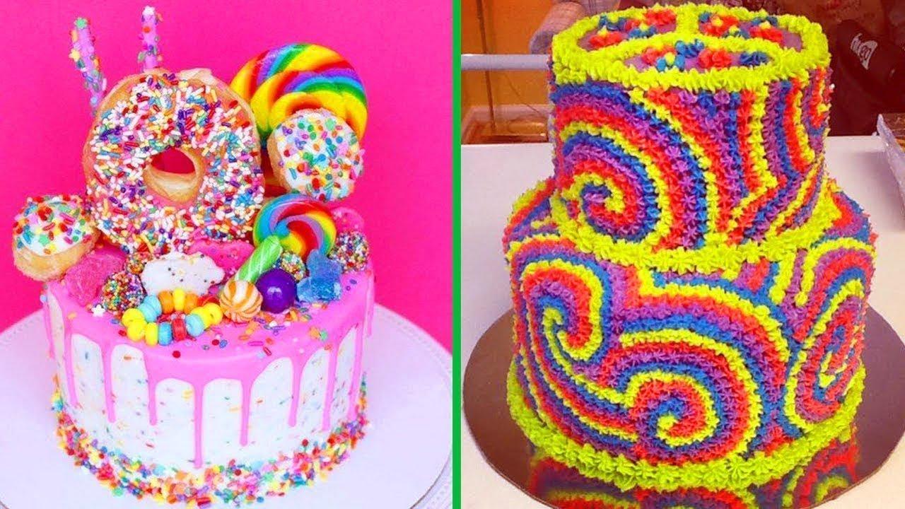 صورة طرق تزيين الكيك بسيطة , تزيين الكعك بصوص الشوكولاة والفواكه 11830 9