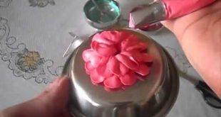 صورة طريقة عمل ورد لتزيين الكيك بسهولة , بعجينة السكر اصنعي احلى ورد لتزين الكيك
