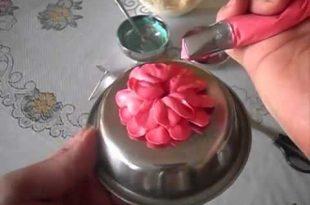 صور طريقة عمل ورد لتزيين الكيك بسهولة , بعجينة السكر اصنعي احلى ورد لتزين الكيك