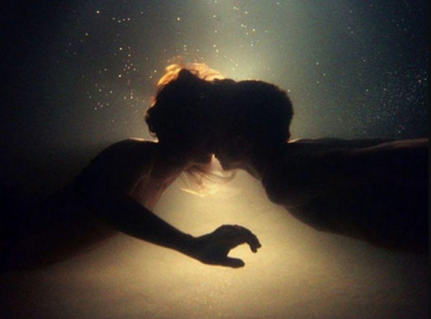 صور تفسير القبلة في المنام لابن سيرين , ماذا تعني القبلة في الحلم لابن سيرين