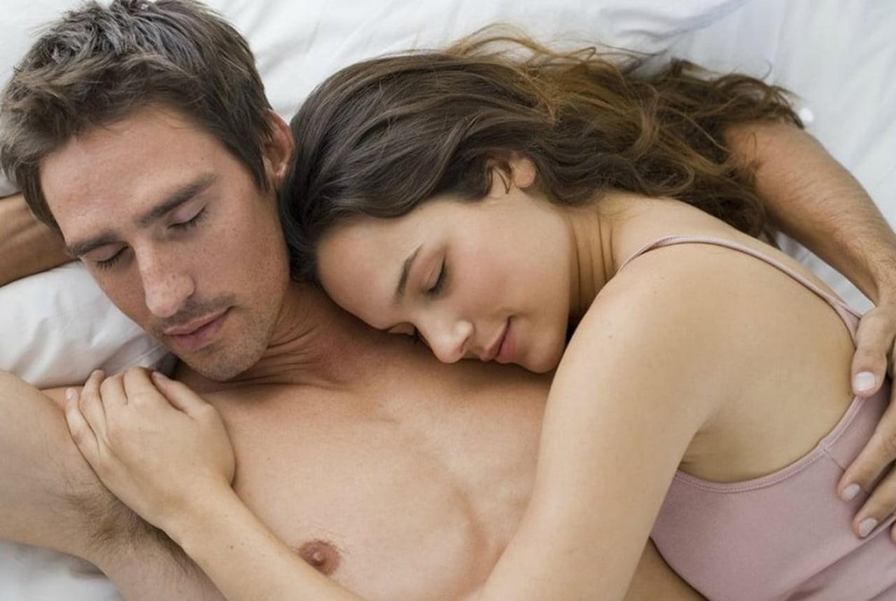 صورة زوجين في الفراش , العلاقه الحميمه بين زوجين 12028