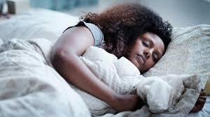 صورة طريقة النوم الصحيحة , افضل طريقة فى النوم