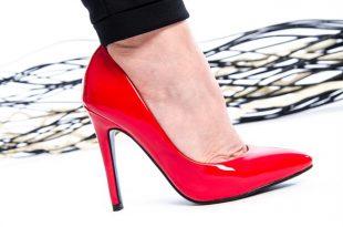 صورة تفسير حلم لبس الحذاء للمتزوجة , تفسير حلم الحذاء لابن سيرين