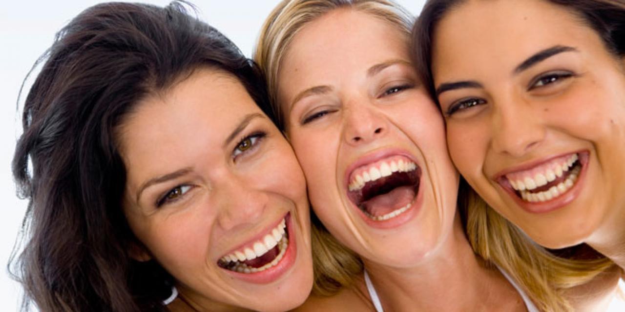 صورة فوائد الضحك , تقويه عضلات القلب